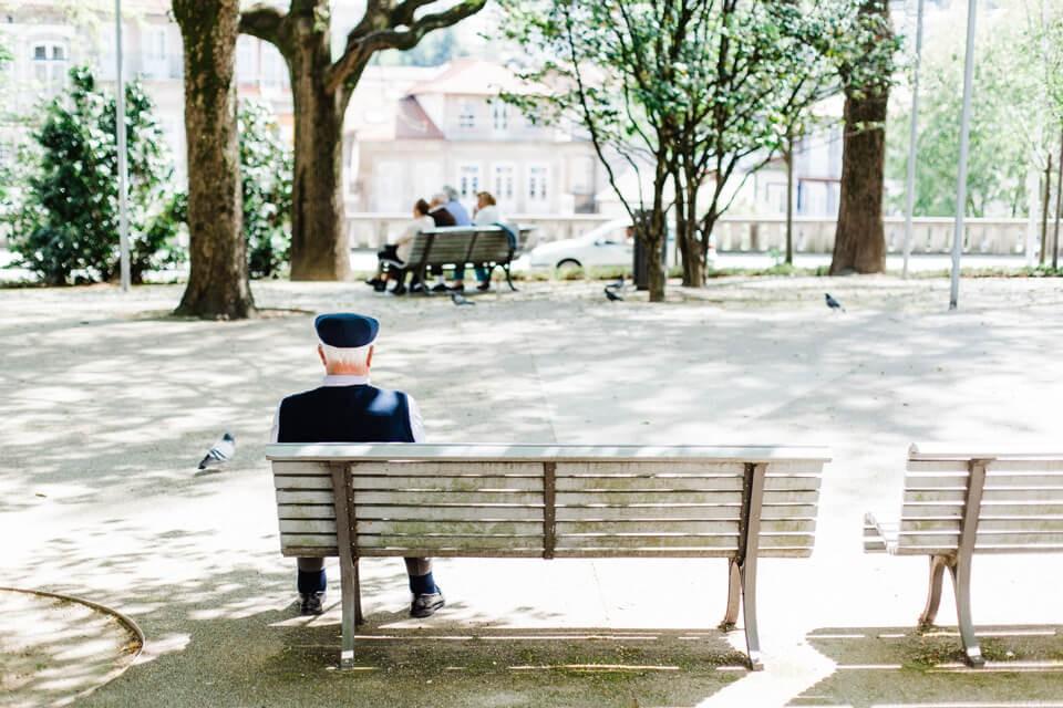 預防中老年的失業與負債危機?就靠負債整合翻轉人生